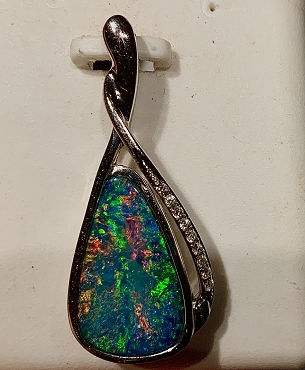 14K White Gold Opal Pendant with Diamonds