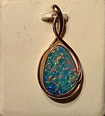 14k Yellow Gold Boi Morto Opal Pendant